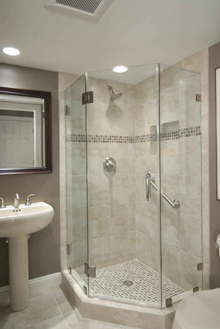 Best 25 glass shower walls ideas on pinterest half for Bathroom 9 foot ceiling