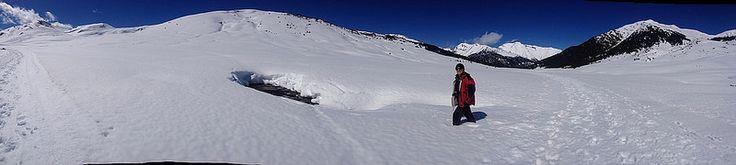 #pirineo #baqueira #ski #esqui #valledearan La caminata de 6 km entre Baqueira-Beret y Montgarri (12km ida y vuelta) es conveniente hacerla con raquetas o esquís de fondo para que no te pase lo que a mi, que a mitad de camino me tuve que dar la vuelta IMG-20150329-WA003