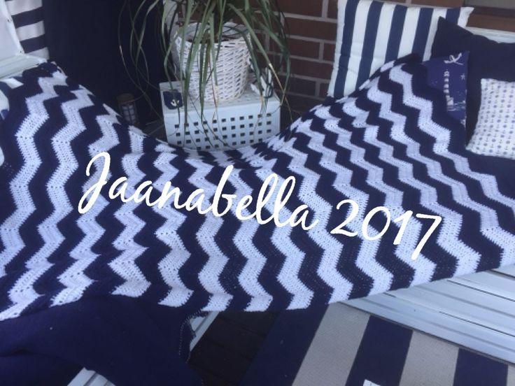 Aaltovirkattu viltti/crocheted blanket,waves