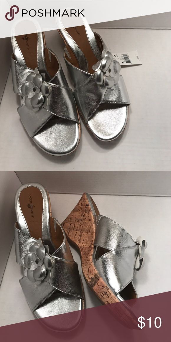 Silver dress sandals Cute bow embellishment Jaclyn Smith Shoes Sandals