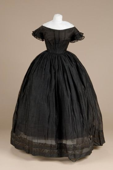 Young woman's black silk/wool lightweight mourning dress, ca. 1850. Possibly worn by a Simsbury girl who attended Miss Pierce's school in Connecticut.