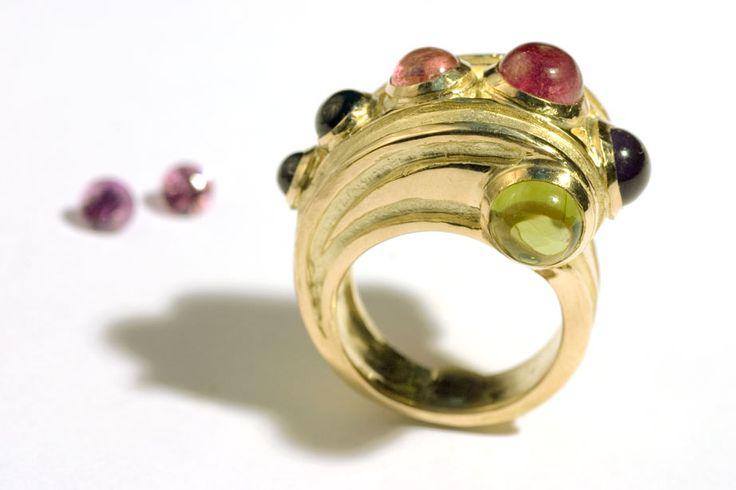 Ring by Hélène Courtaigne Delalande http://www.helenecourtaigne.com/
