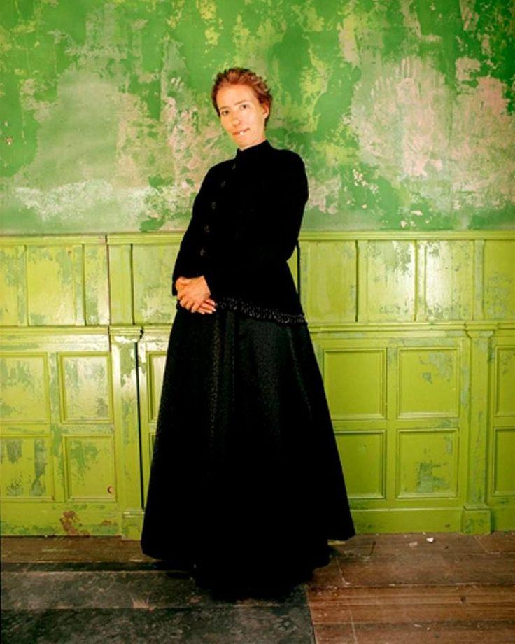 Nanny McPhee (Emma Thompson). Nanny McPhee, film de Kirk Jones. 2005.