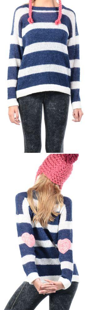 Sweater tejido en máquina familiar en lana mohair slam, super fina, suave y delicada, a rayas con detalle de corazones en los codos (tejido a crochet).  100% hecho a mano.  Talle único. $548