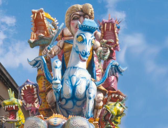 Il Carnevale torna a Sciacca: scopriamo dove nascono i carri