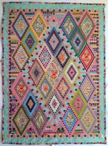 Atelier Bep: summer flowers.  Yet another view of this wonderful quilt