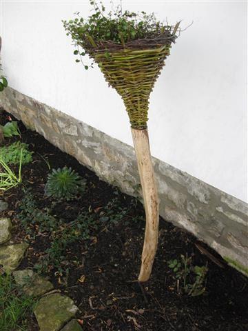 Blumenstecker (aus Weide und Astholz)
