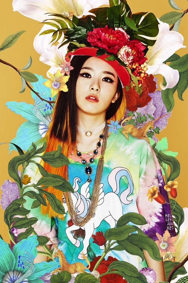 [SCAN] 레드벨벳 Red Velvet SMTOWN Seoul Brochure - 슬기 SEULGI cr. NAMOO_KKUN