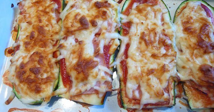 Nagyon szeretem a pizzát. És a melegszendvicset is. A kettő szerencsés találkozása ez az étel (vagy inkább ötlet, hiszen tetszés szerint va...