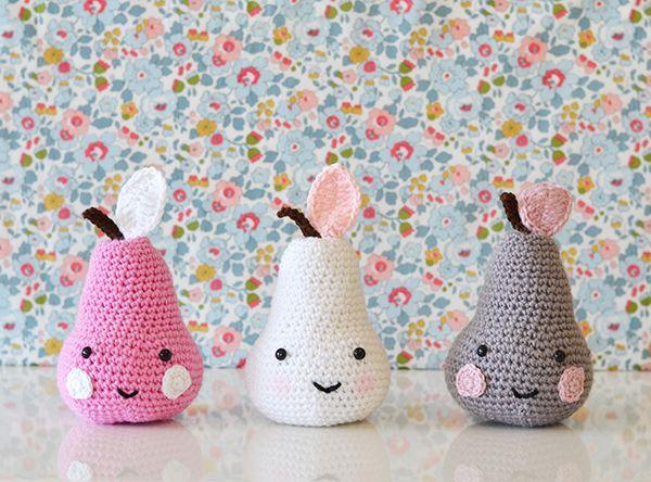 http://www.downgrapevinelane.com/2015/03/on-my-bookshelf-tendre-crochet.html