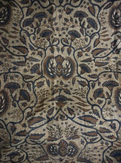 Batik origin Solo,central Java,type semen galaran,year of making 1950 could be earlier than that,sogan color,very nice detail,simply beauty.