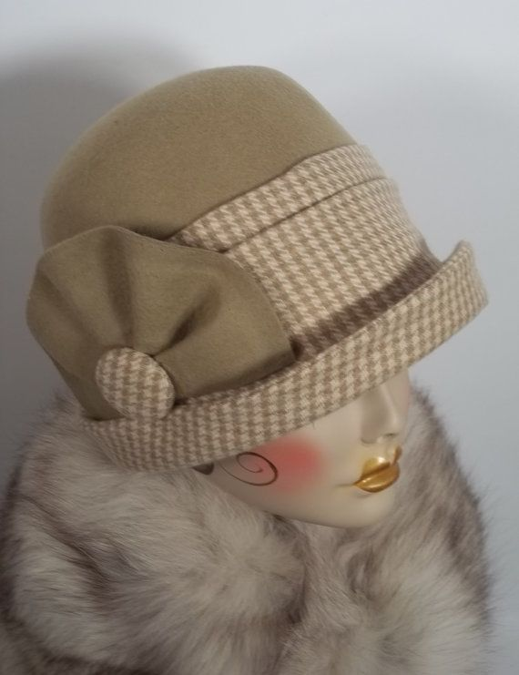 Hey, I found this really awesome Etsy listing at https://www.etsy.com/pt/listing/162114692/wool-felt-cloche-hat-1920-camel-beige