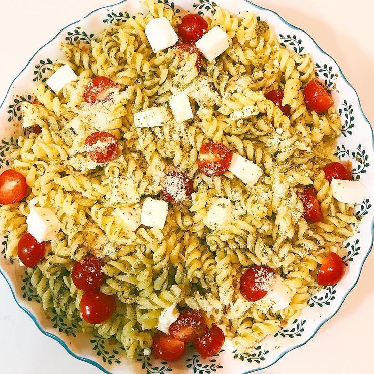 いいね!40件、コメント1件 ― @bonbonbotacoのInstagramアカウント: 「** * パスタサラダ、 と言うわりに野菜殆ど無し🙄 * * * #パスタサラダ#日々のこと #暮らし #パスタ #pastasalad #lunch #foodie #onthetable」