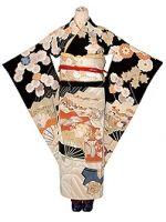 八重桜に菊花扇文様黒振袖