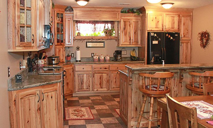 Knotty Hickory Kitchen Cabinets   Rustic Hickory