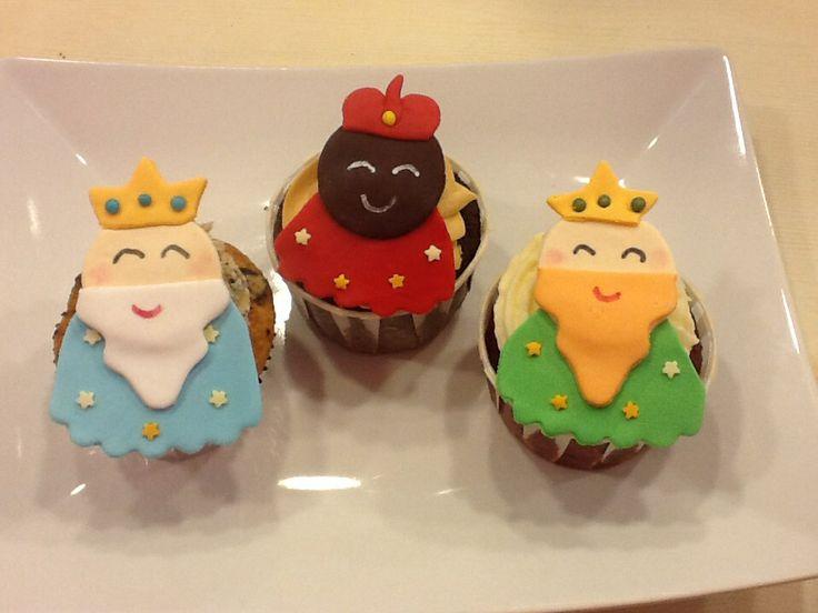 Reyes magos #cupcakes personalizados .www.ameliabakery.com