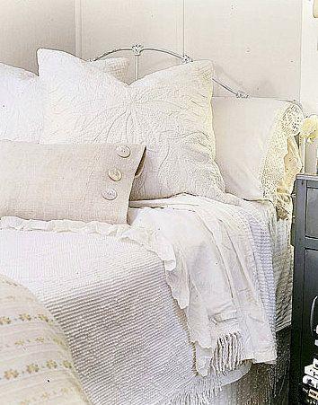 Дизайн красивых интерьеров и вещей: Красивые спальни в деревенском стиле