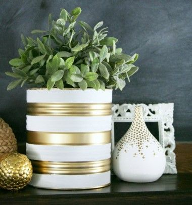 Painted tin can planters // Festett kaspók konzervdobozokból // Mindy - craft & DIY tutorial collection