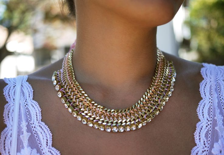 DIY: woven chain collar necklaceChains Collars, Woven Chains, Diy Necklaces, Statement Necklaces, Diy Tutorials, Diy Jewelry, Collars Necklaces, Chains Necklaces, Jewelry Ideas