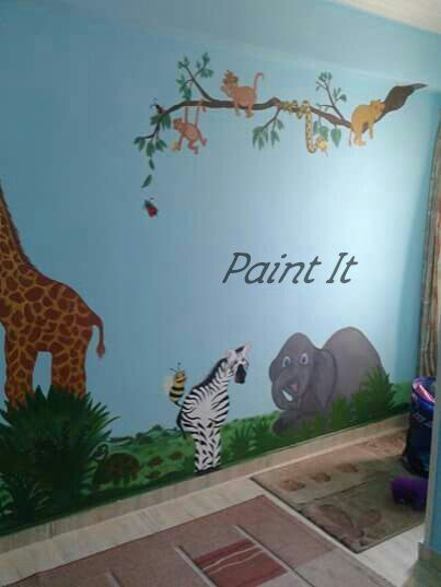 Zoo animals drawing on wall