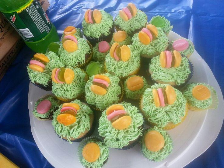 Spongbob Cupcakes (crabby patties)