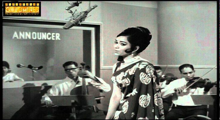 Khamoshi 1969 Hindi Movie Song-Humne Dekhi Hai-Lata Mangeshkar