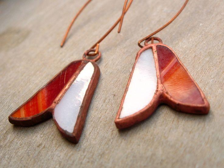 """Boucles d'oreille """"Montana"""" fait main en verre blanc et orange : Boucles d'oreille par callenana"""