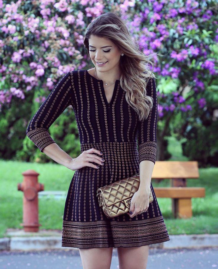 """""""Apaixonada por esse vestido da @esquire_fashion  De tricô com detalhe de zíper…"""