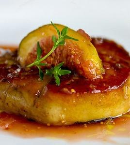 foie gras poêlé aux figues = foie gras with figs. délicieux