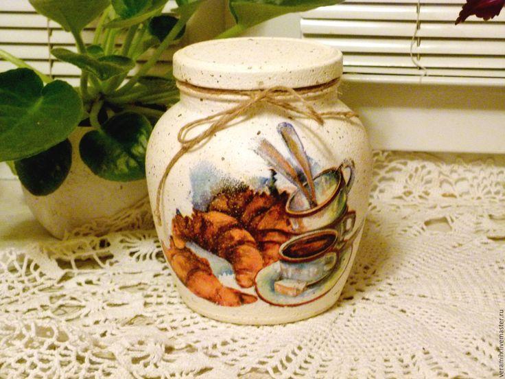 Купить или заказать Банка для сыпучих продуктов в интернет-магазине на Ярмарке Мастеров. Очень вместительная стеклянная банка для кухни в деревенском стиле. Объём банки 1,5 литра. Может стать украшением вашей кухни или дачи. В ней можно держать чай, са…