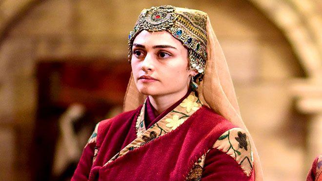 لمحب ي قيامة أرطغرل سلجان هاتون تعود إلى المسلسل بعد سنوات أعلنت الممثلة التركية ديدام بالتشين المعروفة ف Bridal Portraits Indian Wedding Jewelry Bride