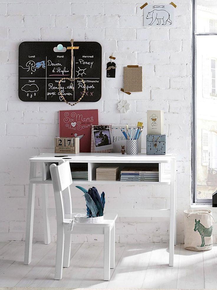 les 47 meilleures images du tableau bureau enfant sur pinterest chambre enfant bureaux et. Black Bedroom Furniture Sets. Home Design Ideas