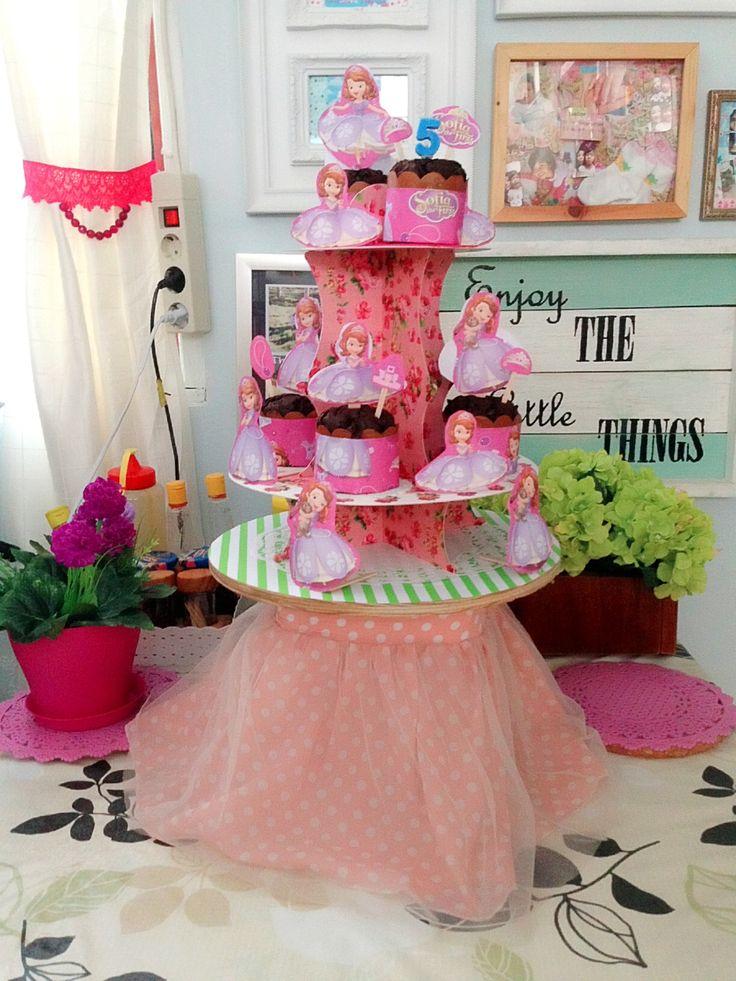 Princess Sofia birthday cupcakes