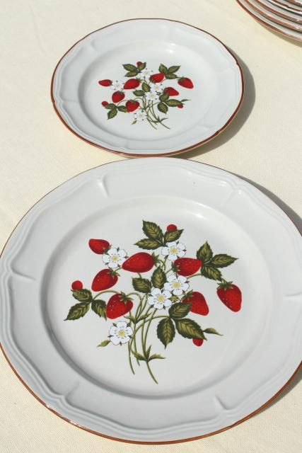 Old Strawberry Pattern, 70s 80s Vintage Gibson Stoneware