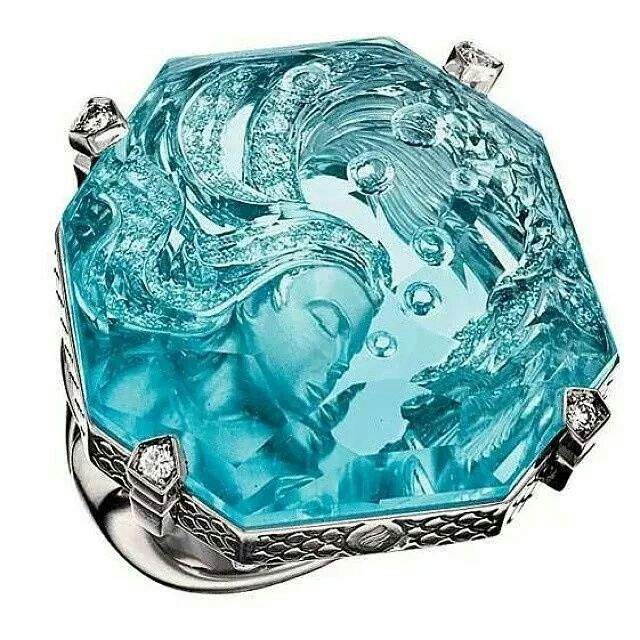 Carved aquamarine ring - Seduction Way