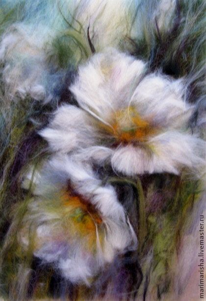 Картина шерстью Белые Цветы Весны, скидка 30%. Картина выложена сухой цветной овечьей шерстью под стекло. Цена указана без стоимости рамы. Сделана с акварели прекрасного художника Фабио Сембранелли. По почте высылаю с пластиком вместо стекла, инструкция по замене…