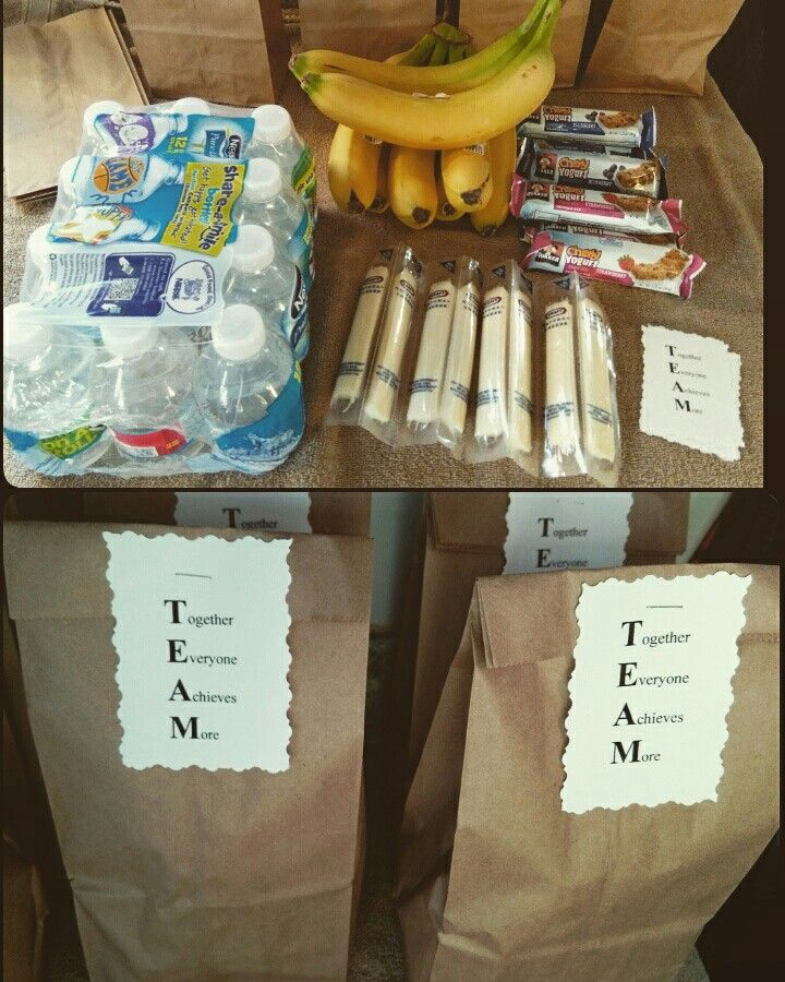 Healthy snacks for younger kids after sports. Made this for my first graders basketball team. Ditch the chips. Inexpensive, healthy choices and water because believe it or not Gatorade isnt good for your kids. I took an extra two minutes to add some tags i typed and printed, because my husband is the coach.