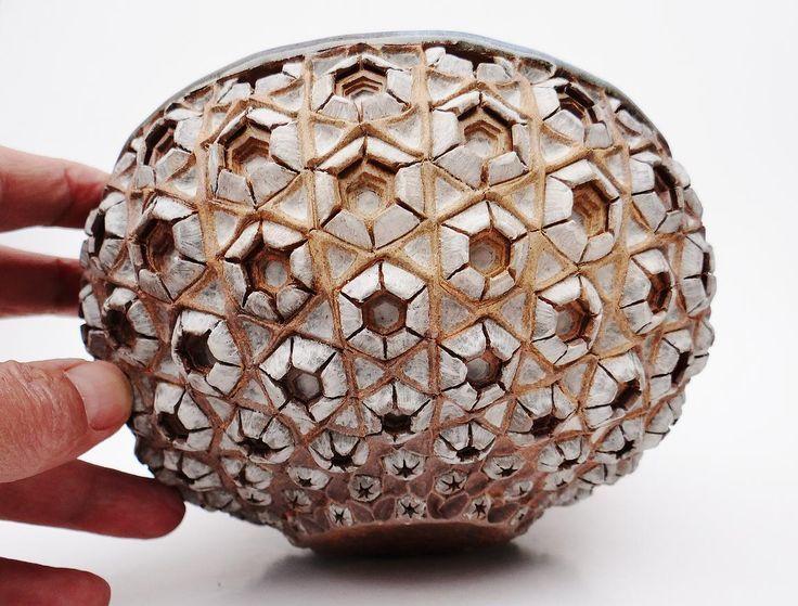 1084 best ceramic pots images on pinterest ceramic art ceramic bowls and ceramic pottery. Black Bedroom Furniture Sets. Home Design Ideas