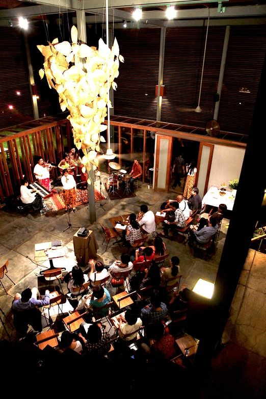 Mini concert at the dia.lo.gue gallery Kemang - Besides the great dining experience, south Jakarta also attracts expats ...