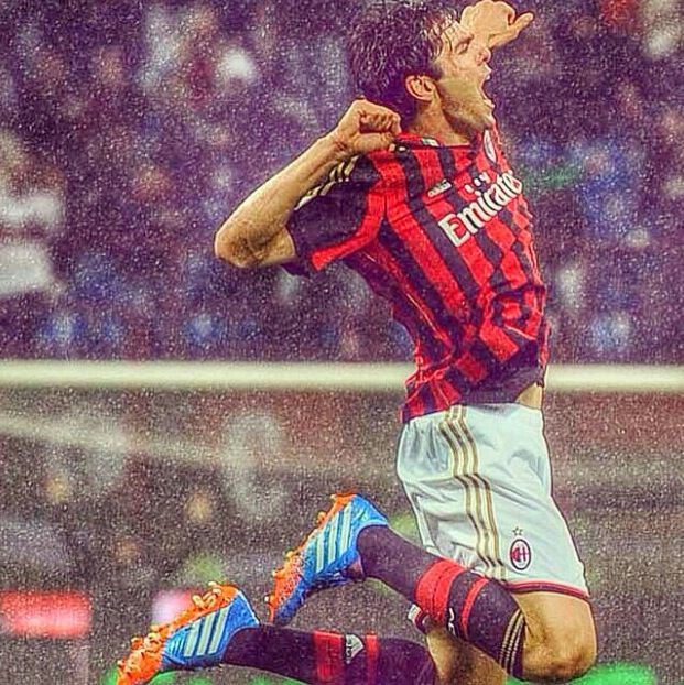 Ricardo kaka scoring his first goal for AC Milan since he is back