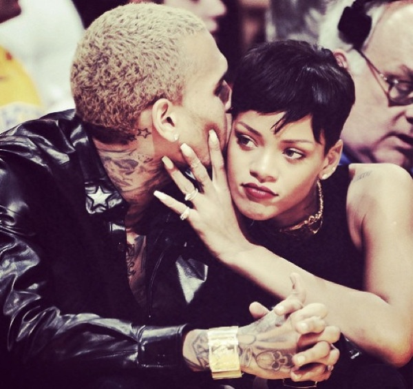 Rihanna & Chris Brown BACK IN L.A + Shares Of Pic Of Them Together In Bed! [Photos] ~ Gossipwelove