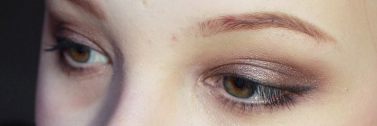 Hantastic Beauty: Review + swatches & looks; MAC Satin Taupe and MAC Cranberry