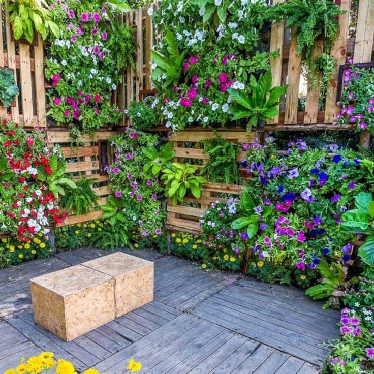 37 Cool Outdoor Vertical Garden Ideas For Small Space