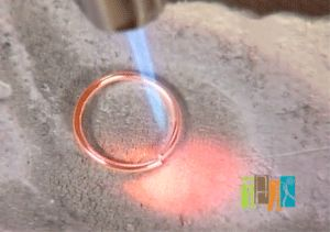 Jewelry Making Daily presents The Jewelry Makers Video Guide to the Micro Torch: Fuse Wire Links with a Butane Torch (video)
