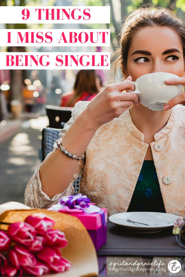 One Wife & Mom is keeping it real - sharing what she misses about her single life #gritandgracelife || Single, Single life, married life, encouragement for women ||