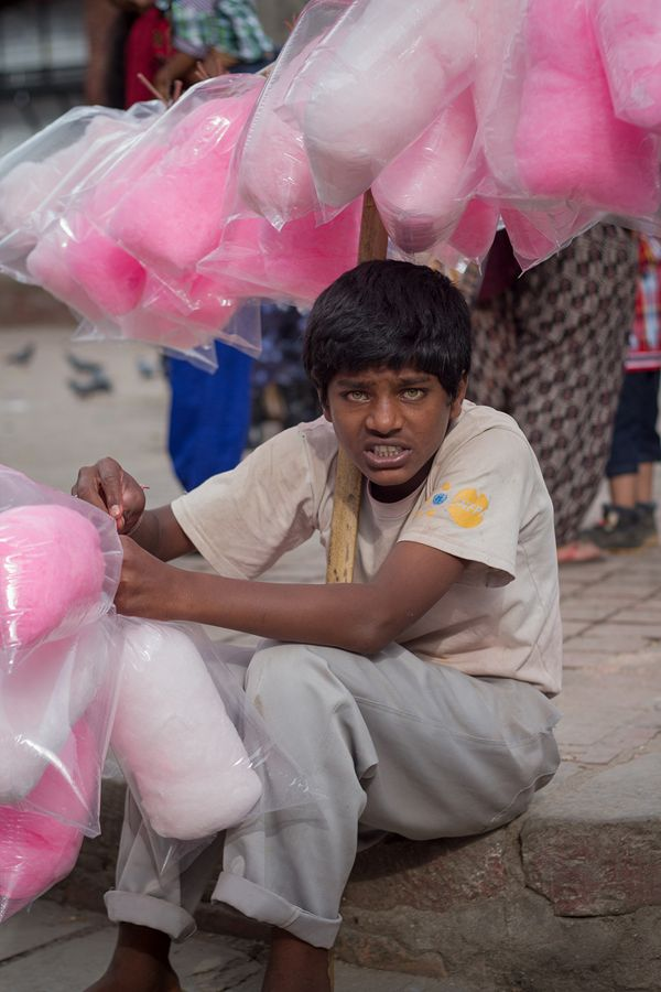 Street Photography : People of Kathmandu  by Àlex Reig, via Behance © Àlex Reig 2014