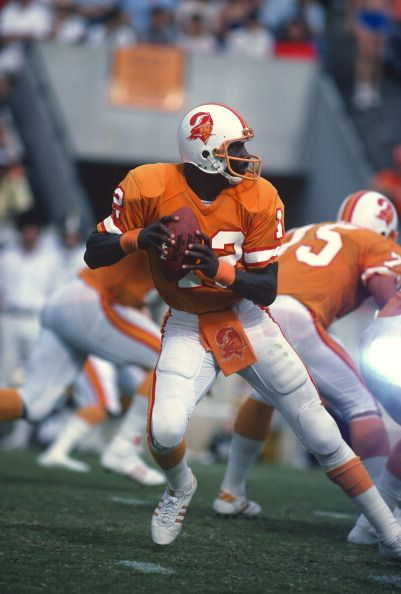 Quarterback Doug Williams of the Tampa Bay Buccaneers