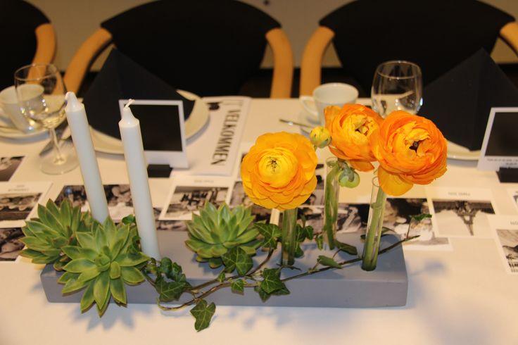 konfirmasjon - borddekking - tablesetting - trepinne med hull til lys og reagensrør til ranukler! konfirmasjon