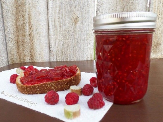 This looks seriously delicious. I've never tried the rhubarb/raspberry combo before, and certainly not in jam. Raspberry Rhubarb Jam Recipe | Food Storage Series