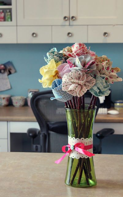 Turn fabric scraps into beautiful long-stemmed roses and enjoy bouquets of color all winter long. Click in for the complete tutorial, courtesy of Snowy Bliss.
